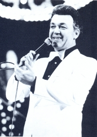 Iosif Davidovich Kobzon. The photo. (Иосиф Давыдович Кобзон. Фотография.) (Belyaev)